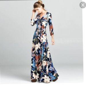 Love Kuza maxi blue floral dress size Small